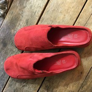 """Red Pazzo Play suede slip on clogs w/2.5"""" Heel"""